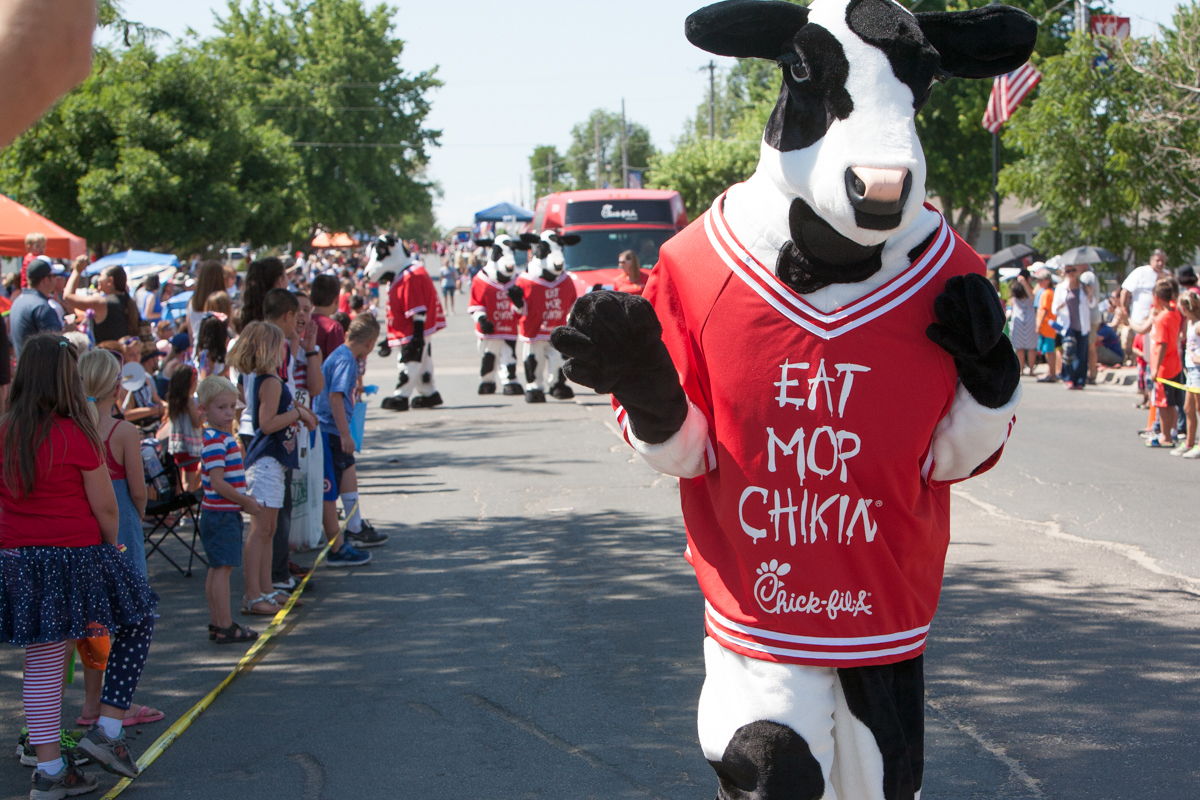Eat more chicken cow from Chick-Filet in parade