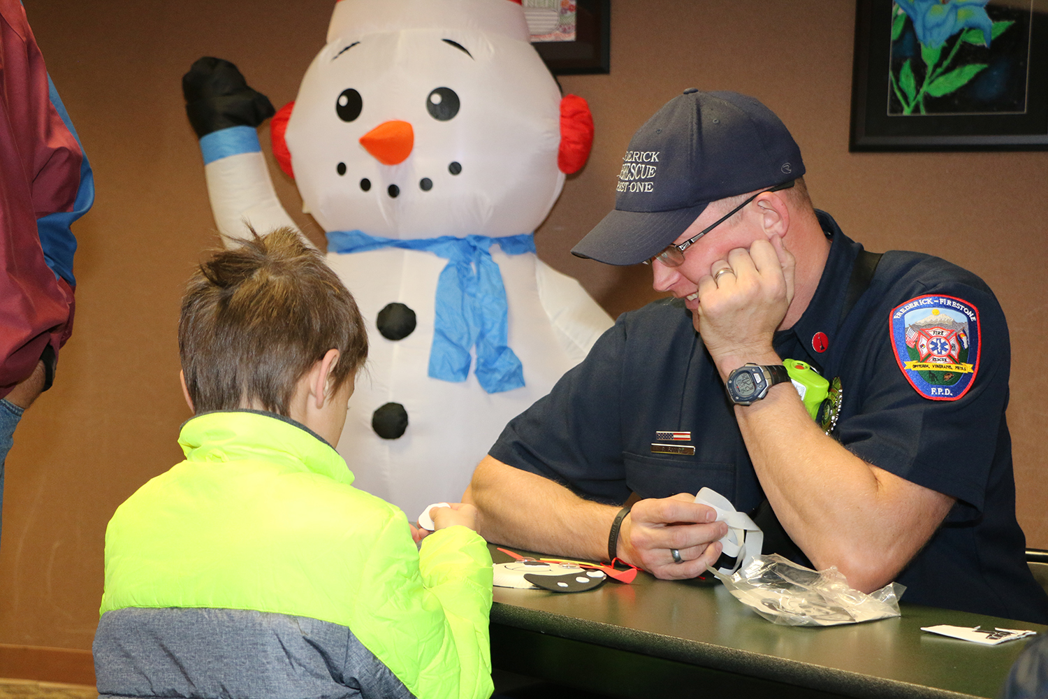 2016 Holiday Festival crafts with Firefighters